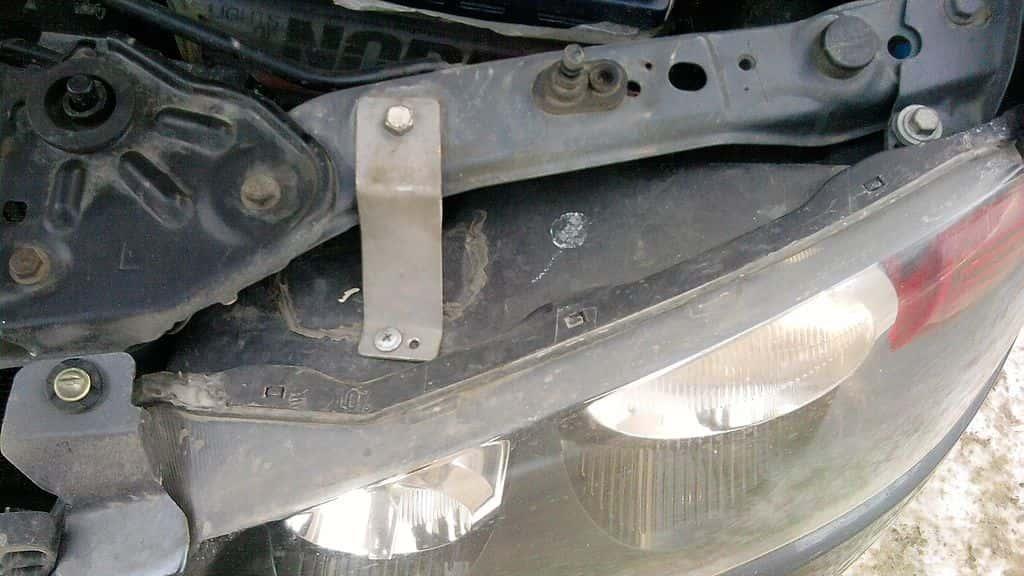 ремонт крепления автомобиля