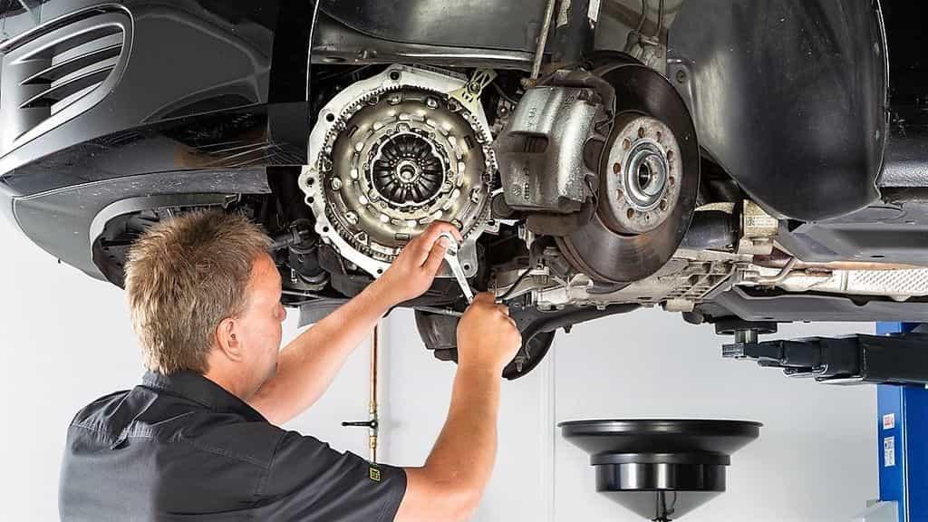 проверка сцепления автомобиля